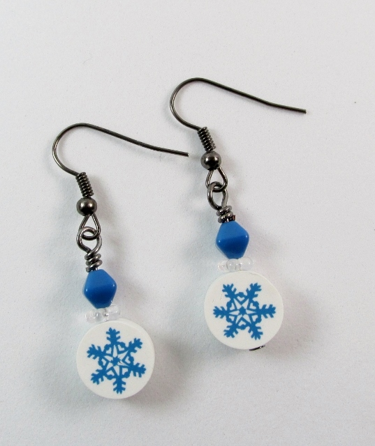Fimo Snowflakes pierced earrings